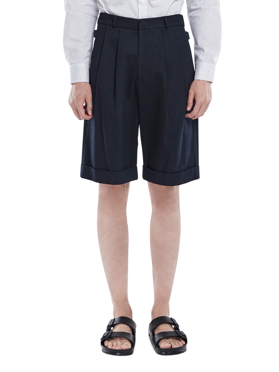 Two Tuck Wide Shorts - Navy