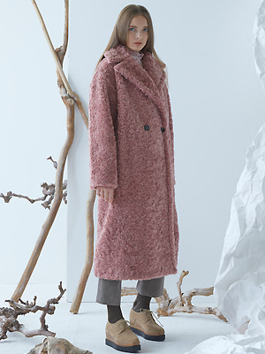[이세영 착용]Cuddle Teddy Coat - Pink