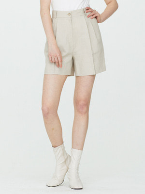 Two Tuck Linen Shorts - Beige